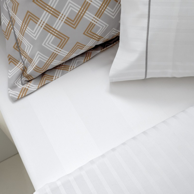Reign - Satin Sheet set