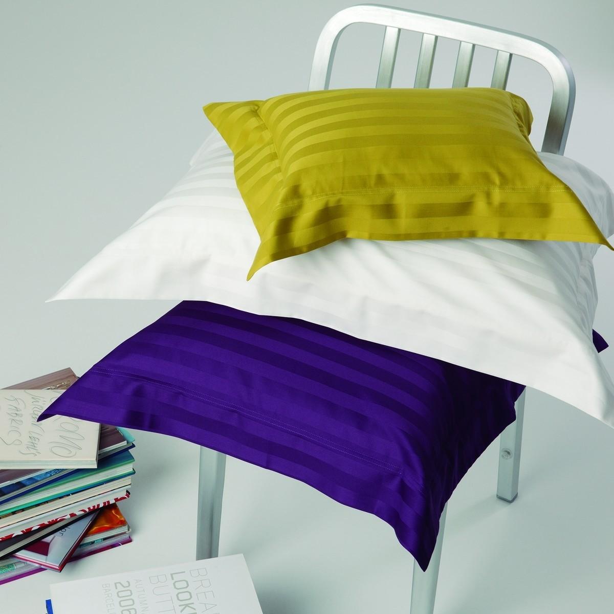 Pillowcase, Look